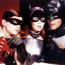 Adam West, Burt Ward ed Yvonne Craig nella serie tv 'Batman'