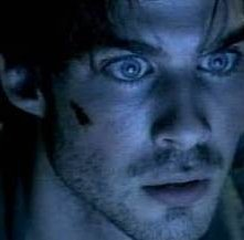Ian Somerhalder in una sequenza di Pulse
