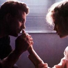 Kim Basinger e Mickey Rourke, love story appassionata in Nove settimane e mezzo