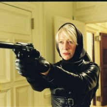 Helen Mirren in versione action nel film Shadowboxer