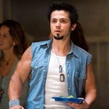 Freddy Rodriguez in una scena di Lady in the Water