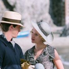 Stephen Campbell Moore e Scarlett Johansson in una scena del film Le seduttrici