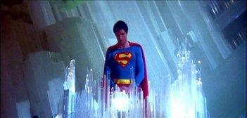Christopher Reeve in una suggestiva scena di SUPERMAN