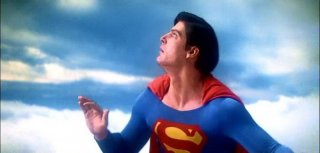 Christopher Reeve in una scena di SUPERMAN