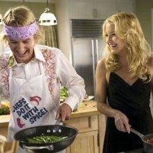 Owen Wilson e Kate Hudson ai fornelli in Tu, io e Dupree