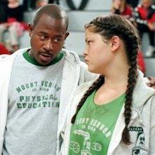 Martin Lawrence e Tara Correa-McMullen in Un allenatore in palla