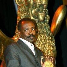 Mahamat-Saleh Haroun con il premio per Daratt - Dry Season