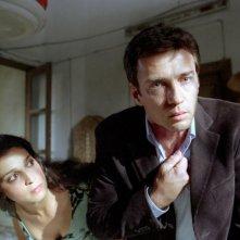Donatella Finocchiaro e Alessio Boni in una scena del film Viaggio segreto