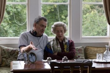 Stephen Frears ed Helen Mirren sul set di The Queen