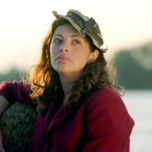 Elena Russo in una scena del film Baciami piccina