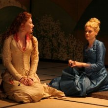 Bryce Dallas Howard con Romola Garai in As You Like It