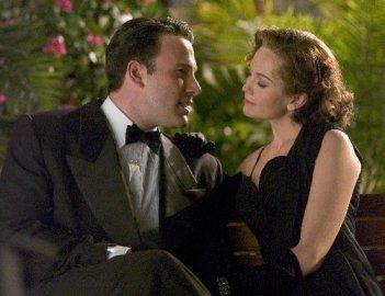 Ben Affleck e Diane Lane in una scena del film Hollywoodland