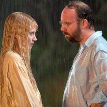 Bryce Dallas Howard e Paul Giamatti in una scena di Lady in the Water (2006)