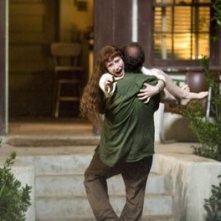 Bryce Dallas Howard e Paul Giamatti in una scena di Lady in the Water