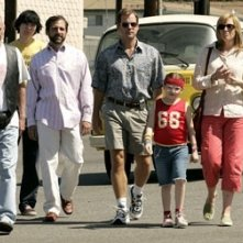 Alan Arkin, Paul Dano, Steve Carell, Greg Kinnear, Abigail Breslin e Toni Collette in Little Miss Sunshine