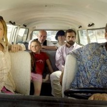 Toni Collette, Abigail Breslin, Alan Arkin, Paul Dano, Steve Carell e Greg Kinnear in Little Miss Sunshine