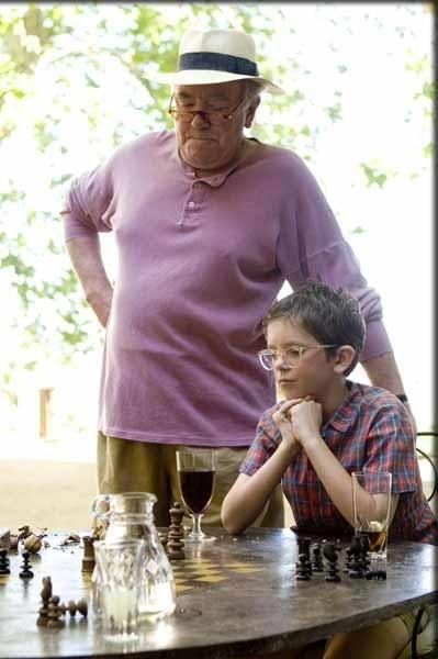 Albert Finney E Freddie Highmore In Una Scena Del Film A Good Year 31082