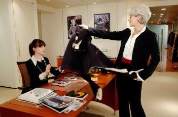 Anne Hathaway e Meryl Streep ne Il Diavolo veste Prada