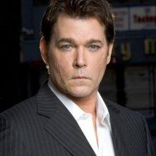 Ray Liotta nella serie 'Smith'