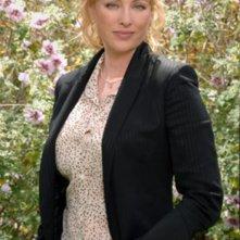 Virginia Madsen nella serie 'Smith'