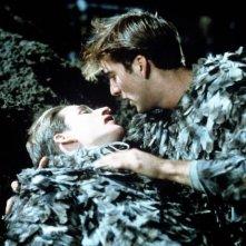 Matthew Modine con Nicolas Cage in una scena di Birdy, le ali della libertà