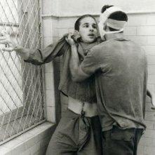Matthew Modine e Nicolas Cage in una scena di Birdy, le ali della libertà