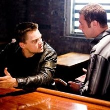 Leonardo DiCaprio e David O'Hara in The Departed