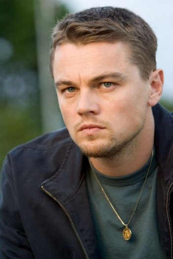 Primo piano DiCaprio in una scena di the Departed