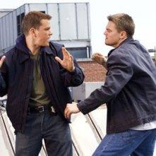 Matt Damon e Leonardo DiCaprio in una scena di The Departed