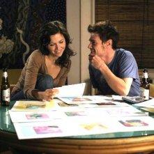 Maggie Gyllenhaal e Billy Crudup in una scena del film film Uomini & donne - Tutti dovrebbero venire... almeno una volta
