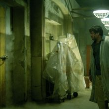 Angus MacFadyen in una scena di Saw 3