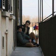 Fabio Ghidoni con Valeria Golino in una scena del film A casa nostra