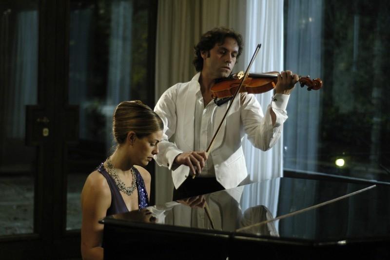 Vanessa Incontrada E Andoni Gracia In Una Scena Del Film Quale Amore 32786