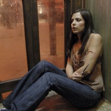 Sarah Michelle Gellar in una scena drammatica del film The Return