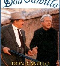 La locandina di Don Camillo e i giovani d'oggi
