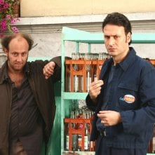 I comici Ale e Franz in una scena del film Mi fido di te