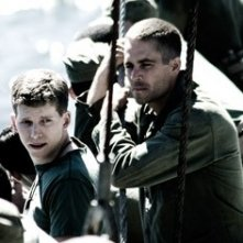 Stark Sands in una scena di Flags of Our Fathers