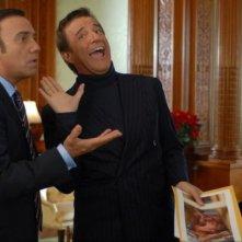 La coppia comica Massimo Ghini e Christian De Sica in una scena del film Natale a New York