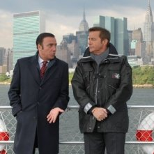 Massimo Ghini e Christian De Sica in una scena del film Natale a New York