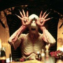 Doug Jones in  una scena del film Il labirinto del fauno