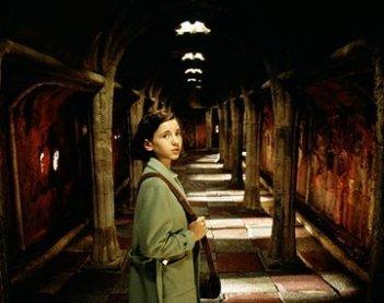 Ivana Baquero in una sequenza del film Il labirinto del fauno