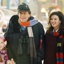 Judge Reinhold, Wendy Crewson e Liliana Mumy in una scena di Santa Clause è nei guai