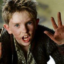 Freddie Highmore in una scena del film Arthur e il popolo dei Minimei