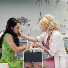 Lindsay Lohan e Sharon Stone in una scena di Bobby