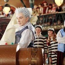 Spencer Breslin e Martin Short in una scena di Santa Clause è nei guai