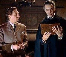 John Van Eyssen e Christopher Lee in una scena del film Dracula il vampiro