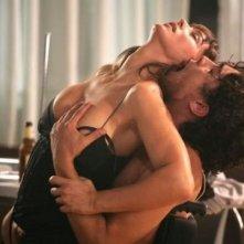 Riccardo Scamarcio e Monica Bellucci nella scena hot di Manuale D'Amore 2