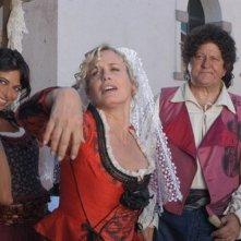 Brigitta Boccoli, Daryl Hannah, Massimo Boldi, Natalia Estrada in una scena di Olè