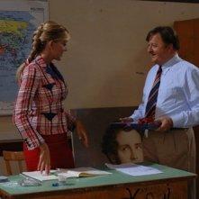 Brigitta Boccoli e Massimo Boldi in una scena di Olè