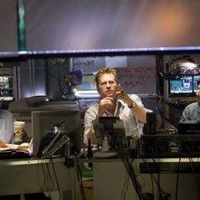 Denzel Washington, Adam Goldberg e Val Kilmer in una scena del film Deja Vu - Corsa Contro Il Tempo